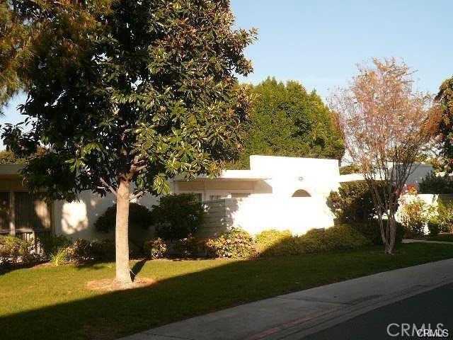Photo of 2233 Via Puerta #D, Laguna Woods, CA 92637