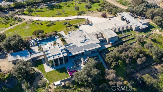 5000 Live Oak Canyon Road, La Verne CA: http://media.crmls.org/medias/dcbb7742-f6ca-43d9-b6b4-9b49c33e0a0b.jpg