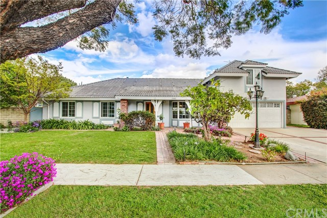 Single Family Home for Sale at 13682 Rosalind Drive Tustin, California 92780 United States