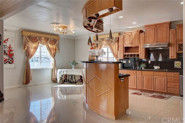 18099 LAKEVIEW DRIVE, VICTORVILLE, CA 92395  Photo