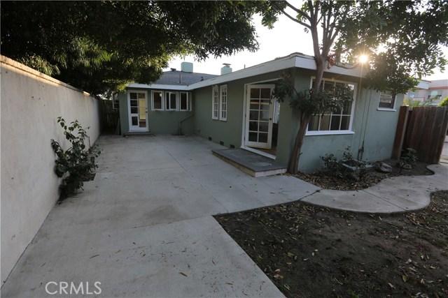 352 E 18th Street, Costa Mesa CA: http://media.crmls.org/medias/dcd206e1-7d0a-44de-bc91-1954c515abca.jpg