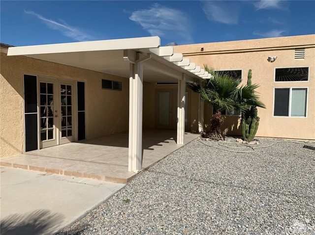 51865 Ave. Cortez, La Quinta CA: http://media.crmls.org/medias/dcec6b94-1825-40f3-8b4a-bc707f9e76f6.jpg