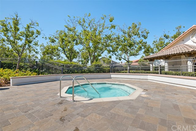 28882 Mountain View Lane, Lake Forest CA: http://media.crmls.org/medias/dcf59998-0301-4881-8593-2d754a8207ed.jpg