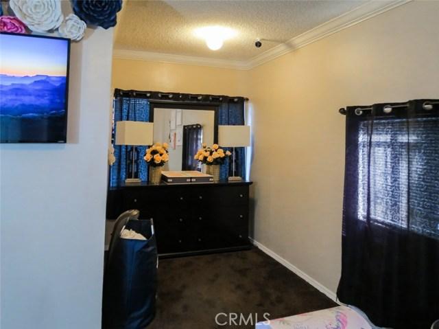 11215 11219 State Street, Lynwood CA: http://media.crmls.org/medias/dcf5df2a-915c-406b-ad1a-bc628f818a57.jpg