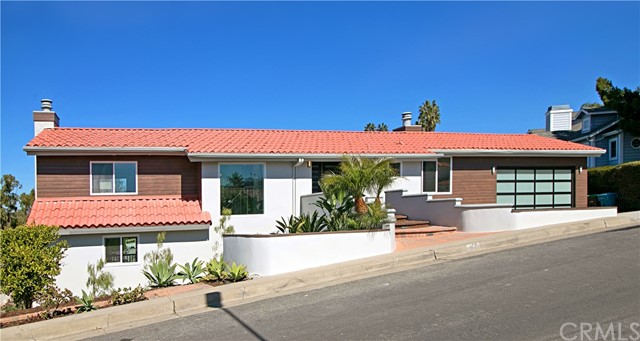 Single Family Home for Sale at 127 Avenida Pizarro San Clemente, California 92672 United States