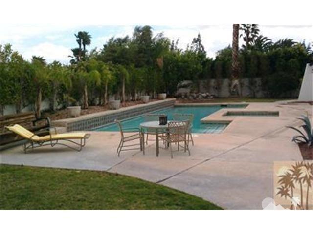 1420 Rosarito Way, Palm Springs CA: http://media.crmls.org/medias/dcff4161-ce97-44ca-903c-e8da115a99c1.jpg