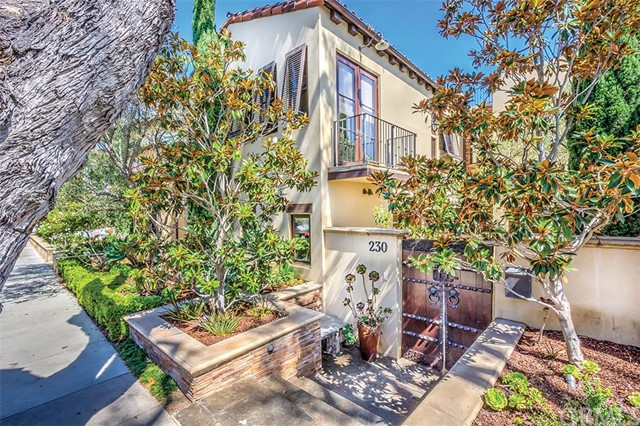 Single Family Home for Sale at 230 Poppy St Corona Del Mar, California 92625 United States