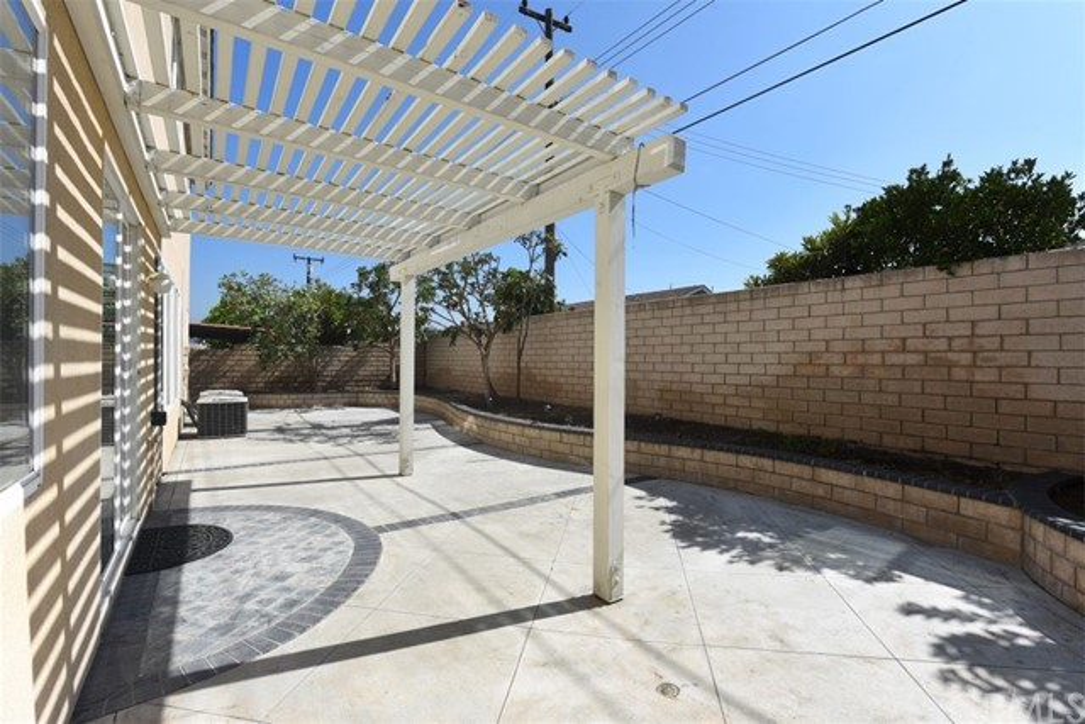 1308 Golden Coast Lane, Rowland Heights CA: http://media.crmls.org/medias/dd0e636b-3313-489e-af5d-78ac32e147ee.jpg