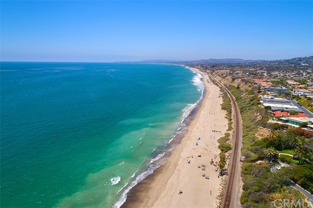 3814 Calle Tiburon, San Clemente CA: http://media.crmls.org/medias/dd2a5657-ecaa-45a6-a49b-af98c25a872c.jpg