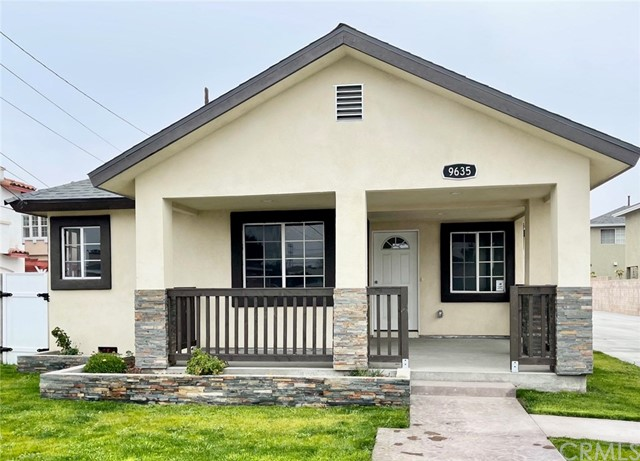 Detail Gallery Image 1 of 1 For 9635 Ramona St, Bellflower,  CA 90706 - 4 Beds   2 Baths