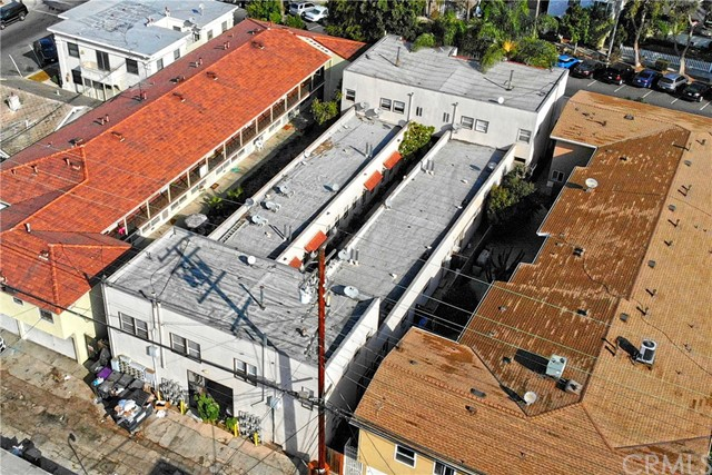 1720 E 1st Street, Long Beach CA: http://media.crmls.org/medias/dd30b914-2a32-437f-a303-43a114319844.jpg