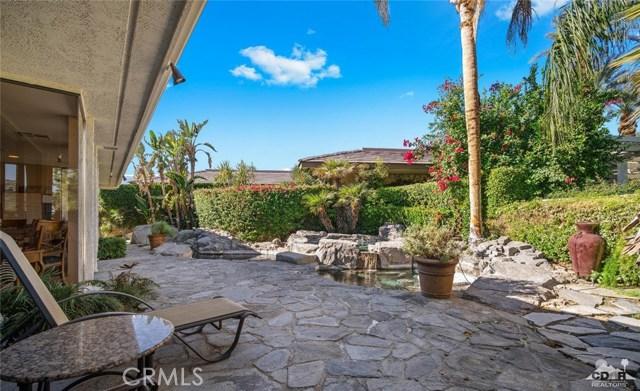 4 Exeter Court, Rancho Mirage CA: http://media.crmls.org/medias/dd376edd-8b7b-466d-904c-b4f93ee153ec.jpg