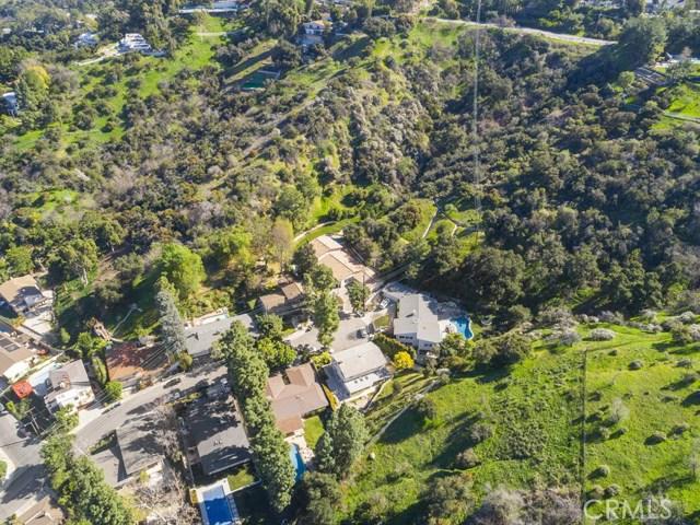 14811 Jadestone Drive, Sherman Oaks CA: http://media.crmls.org/medias/dd44cfc3-cfca-4f32-ad19-f311132bc535.jpg