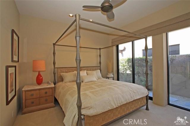 428 Morning Dove, Palm Desert CA: http://media.crmls.org/medias/dd4d4e56-8300-4966-b9f8-8f347f249cda.jpg