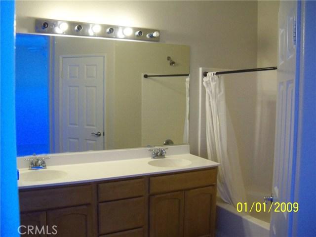 15655 Vista Way, Lake Elsinore CA: http://media.crmls.org/medias/dd5ac749-879c-42c5-931d-727b282dcd52.jpg