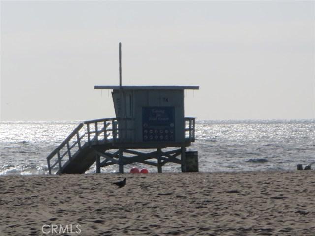 828 N Lucia Avenue, Redondo Beach CA: http://media.crmls.org/medias/dd5ad4e0-f4e8-4708-9e20-5480bbf95967.jpg