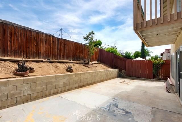 23476 Woodlander Way, Moreno Valley CA: http://media.crmls.org/medias/dd5f61b5-f5cf-40a7-9f9c-4f17821009e1.jpg