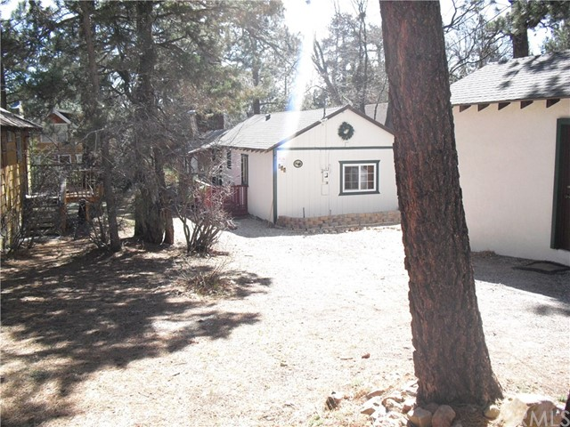 599 Victoria Lane Big Bear, CA 92386 - MLS #: EV18079436