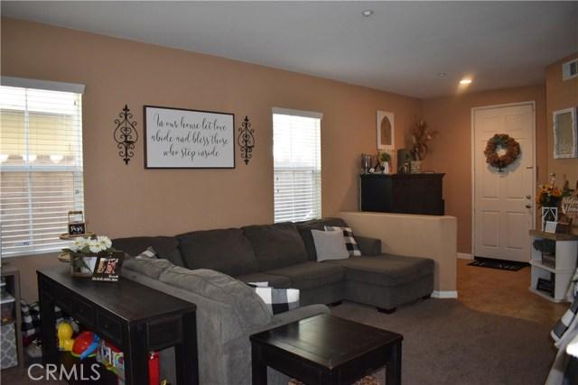6272 Beth Page Drive, Fontana CA: http://media.crmls.org/medias/dd67359f-e7a8-4c98-b2bb-3bcea6f1d42f.jpg