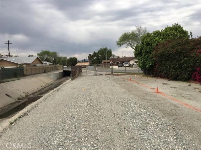 20625 Harvest Avenue, Lakewood CA: http://media.crmls.org/medias/dd727fcb-d89d-4244-83a2-b20045974dd3.jpg
