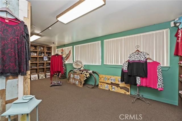 607 6th Street, Norco CA: http://media.crmls.org/medias/dd7ee08d-db49-4a44-be28-5e25a70df18e.jpg
