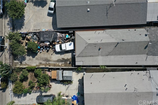 15725 S Frailey Avenue, Compton CA: http://media.crmls.org/medias/dd7f3e19-dc4e-4b28-ab03-fab1b0fc0bf4.jpg