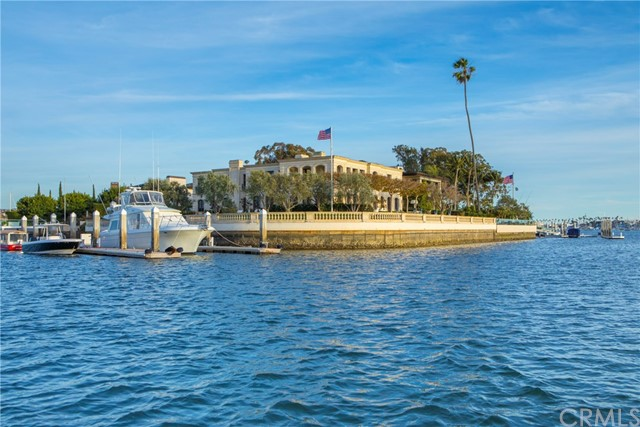 18 Harbor Island Newport Beach, CA 92660 - MLS #: NP18124142