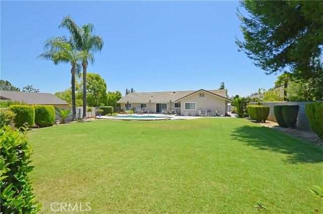 2062 N Palm Avenue, Upland CA: http://media.crmls.org/medias/dd8974da-cfb0-4082-9ffc-a04095865d76.jpg