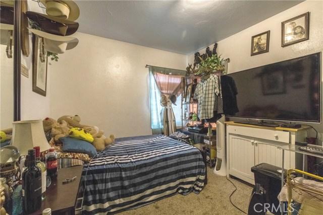 976 K Street, San Miguel CA: http://media.crmls.org/medias/dd899715-e7b9-412d-a84d-fe103c4e66cd.jpg