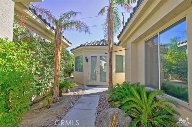 7 Dickens Court, Rancho Mirage CA: http://media.crmls.org/medias/dd945984-f7d8-4b52-af12-56ee8ee76fb4.jpg