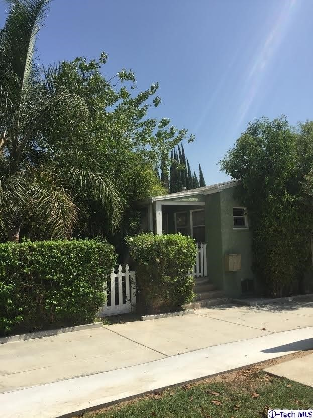 1014 Linden Avenue Glendale, CA 91201 is listed for sale as MLS Listing 316008505