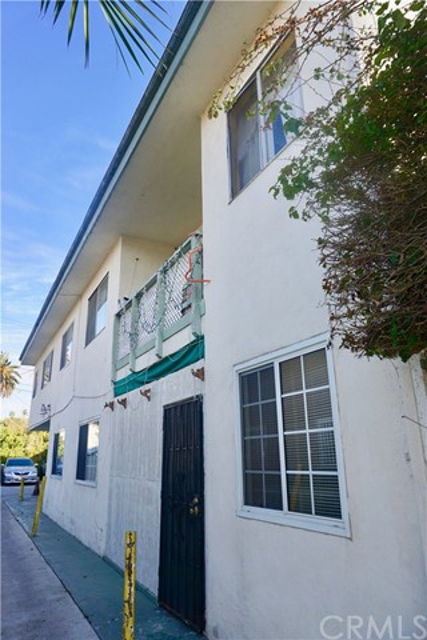 2726 Alsace Av, Los Angeles, CA 90016 Photo 9