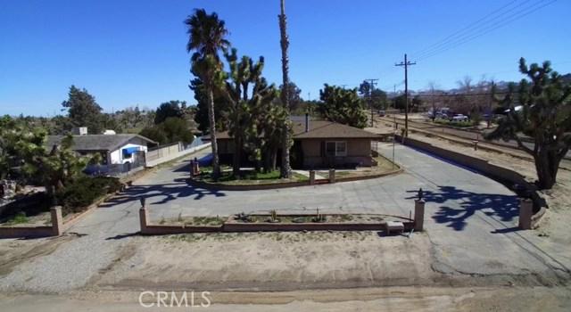 57588 Onaga Trail, Yucca Valley CA: http://media.crmls.org/medias/ddabc14b-7fea-48b1-8adf-a9fe654044d6.jpg