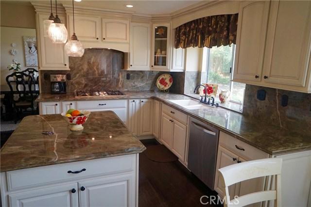 6633 Brownstone Place, Rancho Cucamonga CA: http://media.crmls.org/medias/ddbc48c3-58b8-4e50-9af2-2d19aa33849c.jpg