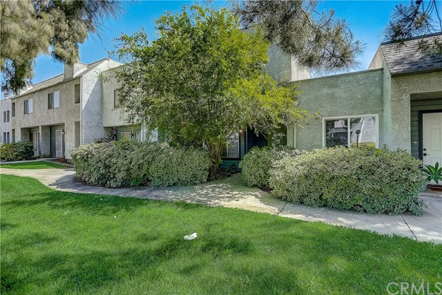 Detail Gallery Image 1 of 42 For 1565 Coulston St #2,  San Bernardino,  CA 92408 - 3 Beds | 2/1 Baths