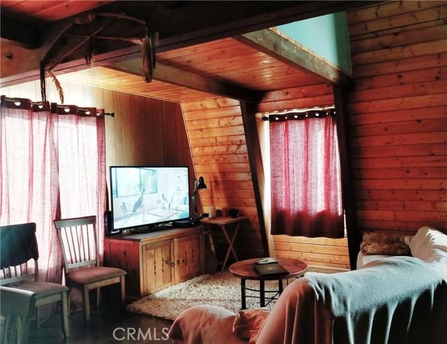 71915 Samarkand Drive, 29 Palms CA: http://media.crmls.org/medias/ddcea163-39f6-4cfa-ac91-d4a650f1300a.jpg