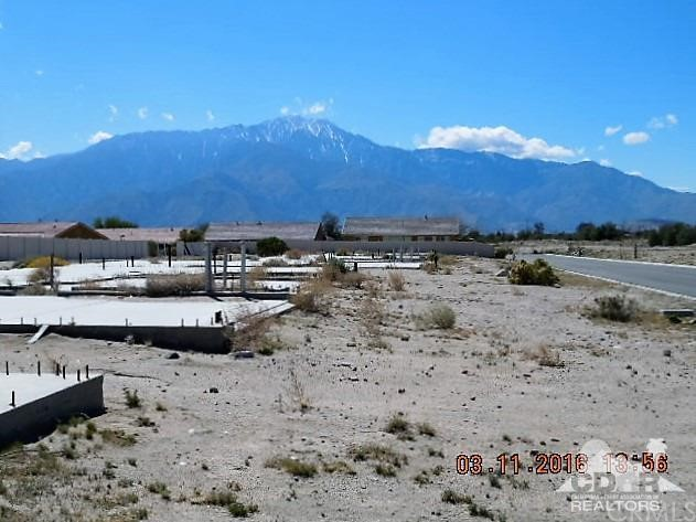 0 Bald Eagle Lane, Desert Hot Springs CA: http://media.crmls.org/medias/ddd27f11-021a-4e4d-8fcb-659919cf8b4e.jpg