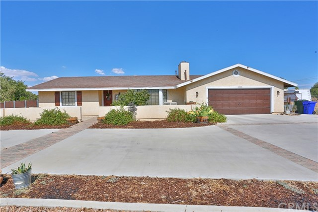 Detail Gallery Image 1 of 1 For 19068 Yanan Rd, Apple Valley, CA 92307 - 3 Beds | 2 Baths