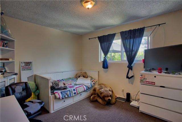 2077 Wallace Avenue, Costa Mesa CA: http://media.crmls.org/medias/dddfdf79-4d5a-448e-85a5-c0dbd3230810.jpg