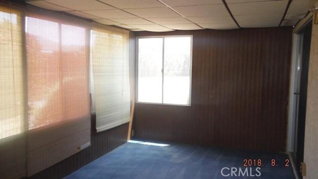 586 Sabado Court, Hemet CA: http://media.crmls.org/medias/ddf60c26-e8c8-44c2-b4bf-b56325f2adaf.jpg