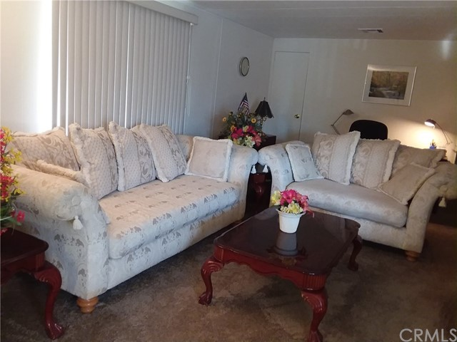 1315 E Marshall Boulevard, San Bernardino CA: http://media.crmls.org/medias/de004af7-8754-4302-ba61-96d4ce8576f2.jpg