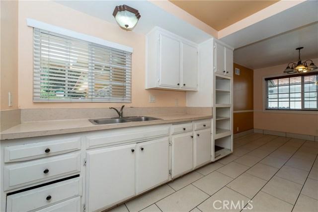 915 S Figueroa Street, Santa Ana CA: http://media.crmls.org/medias/de0c426b-a90a-4d47-8e2b-d72443b4d1d8.jpg