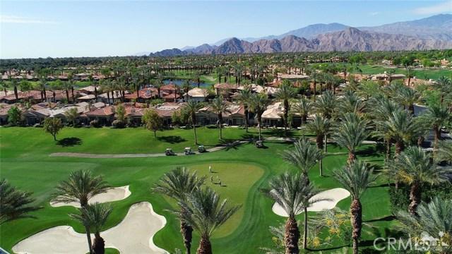661 Box Canyon, Palm Desert CA: http://media.crmls.org/medias/de217a68-11d4-4c01-a07f-7576dc453d7f.jpg