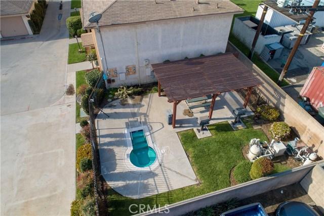 15927 Santa Ana Avenue, Bellflower CA: http://media.crmls.org/medias/de2529bf-7c07-4a89-a887-d53413f939b1.jpg