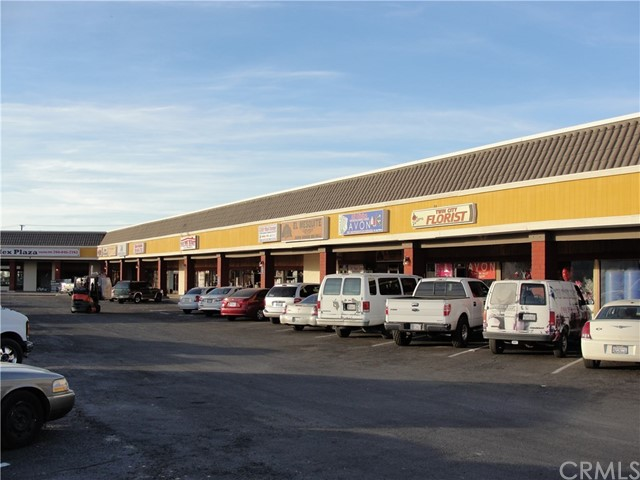 Retail for Sale at 303 W 2nd Street Calexico, California 92231 United States