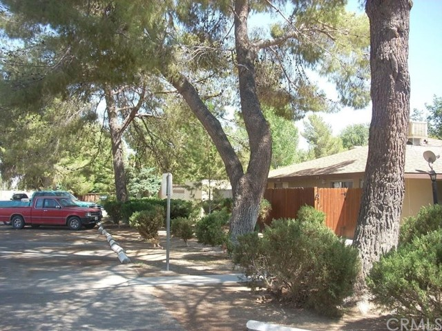 21309 Lake Shore Drive, California City CA: http://media.crmls.org/medias/de49d84d-ed0e-4cb8-be5d-18ad8f4899ee.jpg