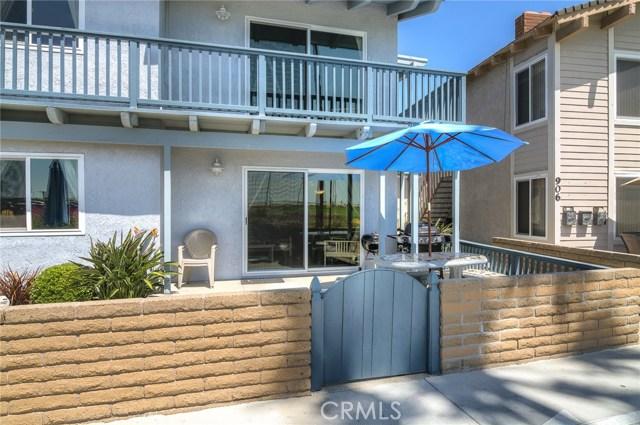 公寓 为 销售 在 900 E Oceanfront 纽波特比奇, 92661 美国