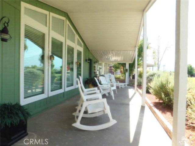 73450 Country Club Drive, Palm Desert CA: http://media.crmls.org/medias/de50a3df-a668-45fe-9773-de7195136227.jpg