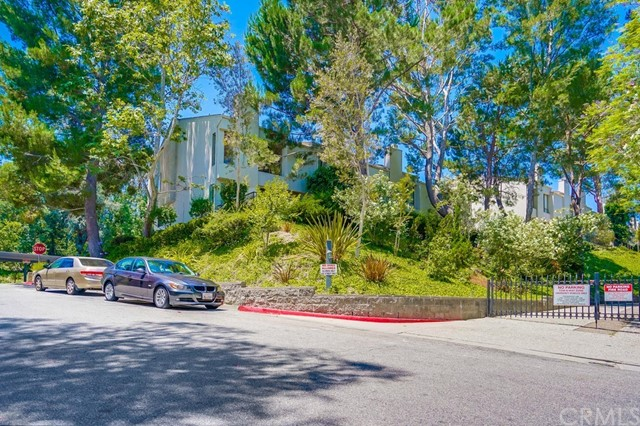 3607 W Hidden Lane, Rolling Hills Estates CA: http://media.crmls.org/medias/de51d2e9-ef01-4ded-88f5-10488bd951ee.jpg