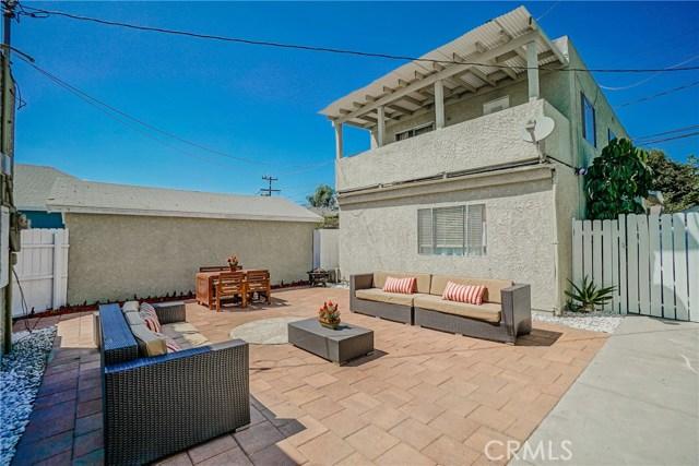 345 E Osgood Street, Long Beach CA: http://media.crmls.org/medias/de64f3d1-5a22-43d7-819a-507a2e321c91.jpg